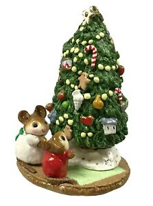 Wee Forest Folk M-123 Under the Chris-Mouse Tree Christmas RETIRED WFF
