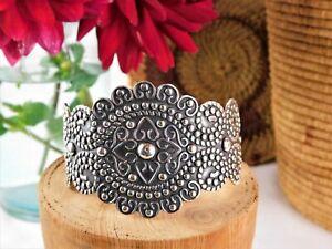Vintage-Sterling-Silver-Repousse-Wide-45-mm-Cuff-Bracelet-925-Mexico-HOB
