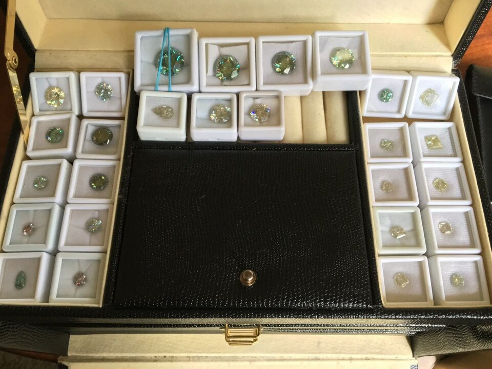 Smykker og sten, NEDSAT - Moissanite Brilliant, Off White