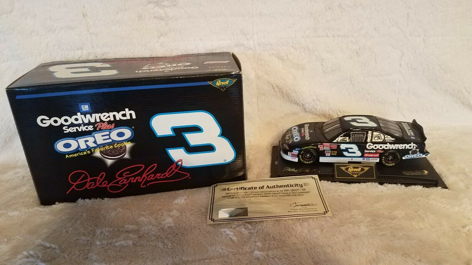 Dale Earnhardt Revell Collection Club 1 24  2001 Monte Carlo Daytona Car