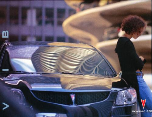 2003 Pontiac Vibe and GT 34-page Original Car Sales Brochure Catalog - AWD