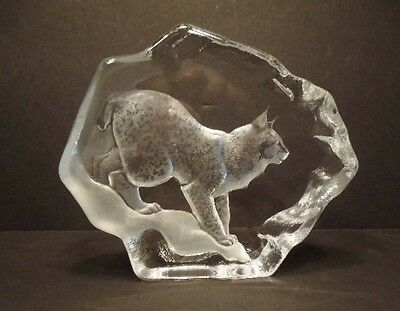 LYNX LEAD CRYSTAL SCULPTURE - SIGNED BY MATS JONASSON OF MALERAS, SWEDEN