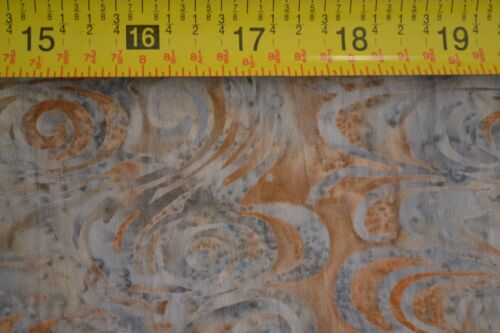 Gray /& Brown Hand-Painted Indonesia Batik By 1//2 Yd Hoffman//H-2270-584 B605