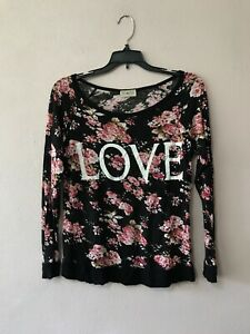 Free Kisses Top Shirt Womens Large Floral Long Sleeve Love