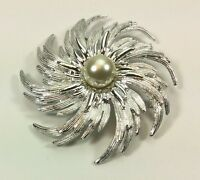 Vintage Sarah Coventry Silvertone Large Swirl Pin With A Faux Pearl Center 3
