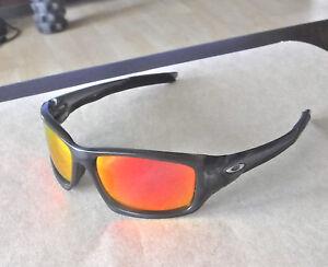3a7deb75a674 Image is loading New-Oakley-Valve-Sunglasses-Grey-Smoke-Custom-Polarized-