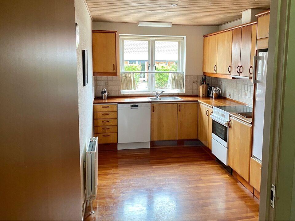 7451 andelsbolig, 3 vær. hus, 105 m2