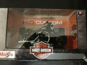 2014 Harley Davidson Sportster Iron 883 1:18 Scale (New) Calgary Alberta Preview