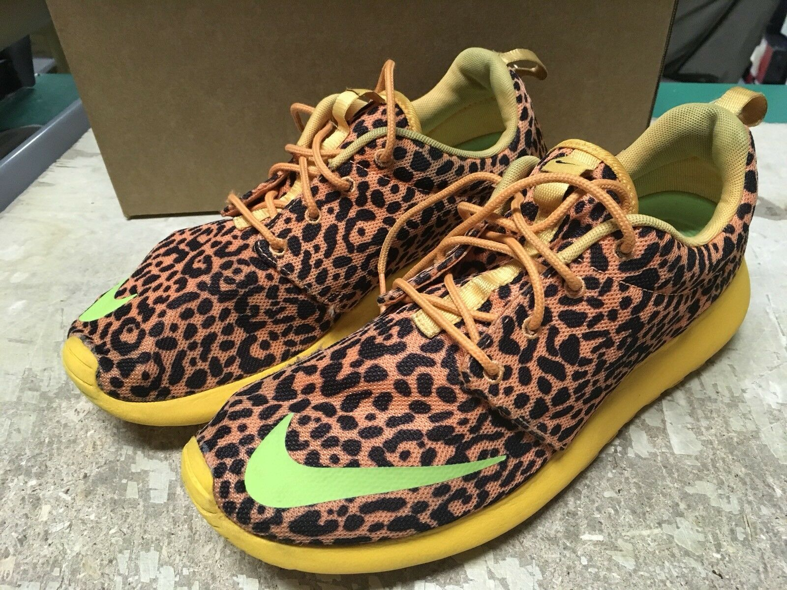 USED NIKE MENS AIR ROSHERUN LEOPARD CHEETAH 580573 838 Price reduction New shoes for men and women, limited time discount