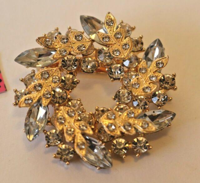 Pin By Crystal Johnson On Baldwin Hills Dam Break: Betsey Johnson Crystal Rhinestone Wreath Brooch Pin