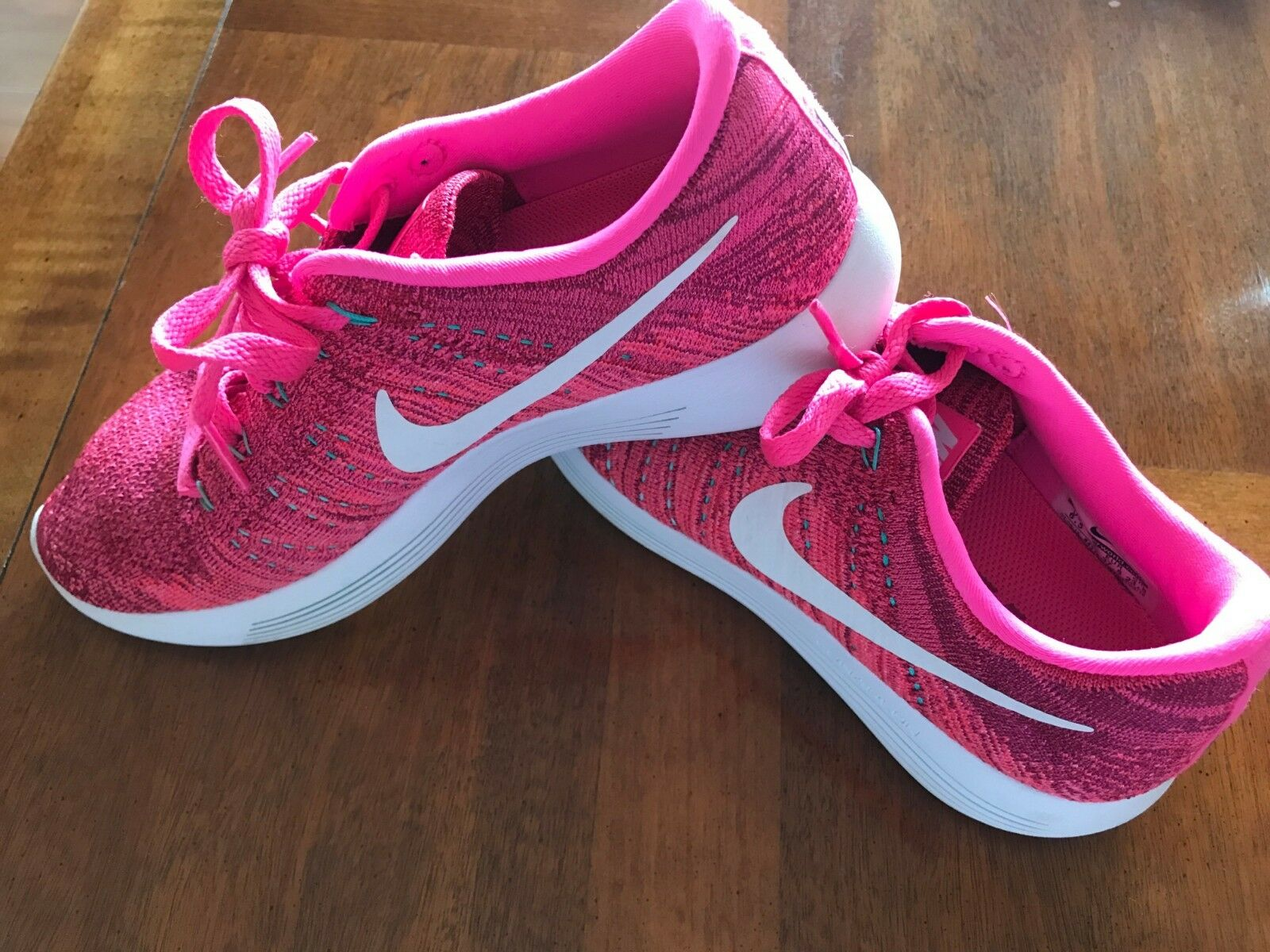 NIKE PINK LUNAREPIC FLYKNIT WOMENS RUNNING TRAINING SHOES SIZE 6.5 US   37.5 EUR
