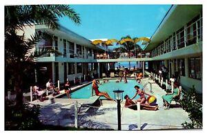 Vintage-Florida-FL-Postcard-St-Petersburg-SEA-CASTLE-Motel-amp-Apartments-Pool-A01