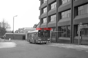 PHOTO-1984-NEW-BUS-STATION-AT-WALLINGTON-A-LEYLAND-NATIONAL-ON-ROUTE-127