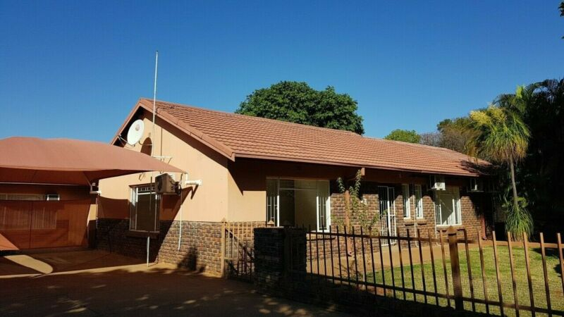 Well situated house to rent.