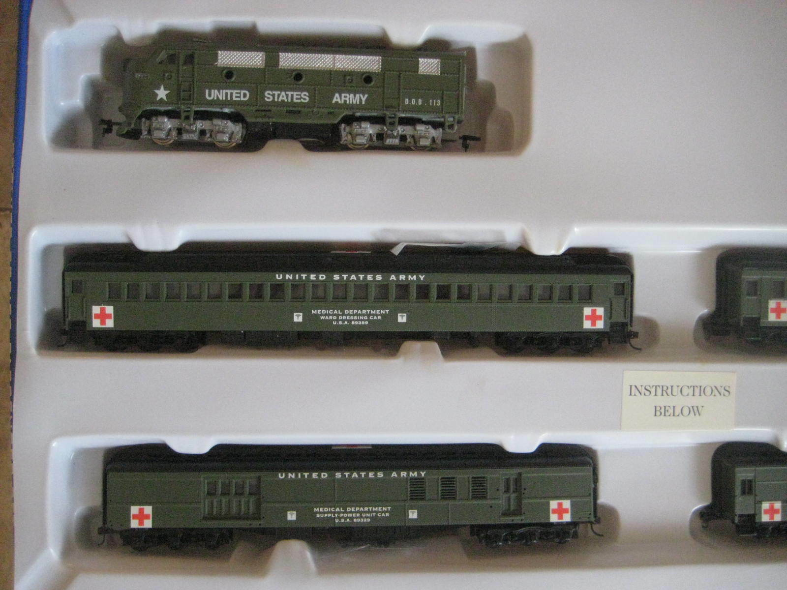 US ARMY TRAIN SET F3 A LOCO AND 4 PASSENGER CARS  MRR21681-DCCS
