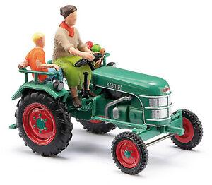 Busch-40071-Kramer-K11-Farmer-With-Child-H0-New-2020