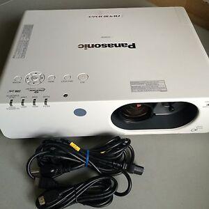 panasonic pt fw430u fw430 wxga hd projector 3500 lumens only 940 rh ebay com