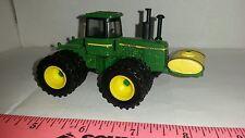 1/64 ERTL custom John deere 8440 4wd tractor duals w/ 500 gal yellow saddle tank