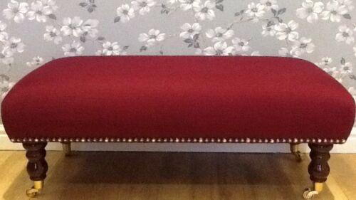 Une qualité longue avec repose-pieds en Laura Ashley Dalton Ruby tissu