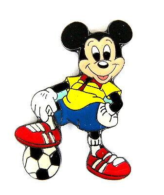 Comic Pin Pins C Disney Mickey Mouse Als Fussballspieler 4030b Ebay