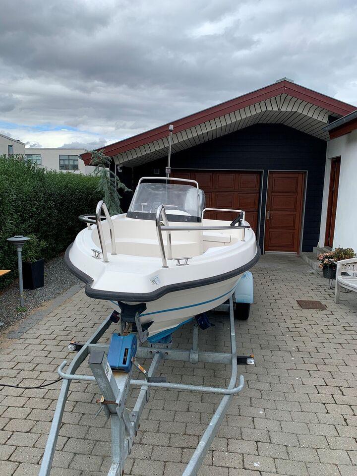 Uttern 4612, Motorbåd, årg. 2000