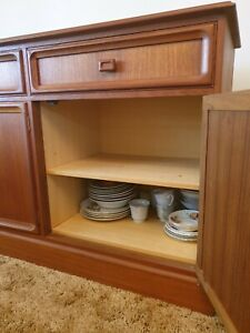 ORIGINAL-1970-Parker-Teak-Sideboard-Buffet-Hardly-used-perfect-condition