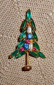 Vintage-D-amp-E-Juliana-Style-Rhinestone-Christmas-Tree-Brooch-Pin-Gold-tone-C193