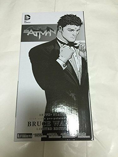 *NEW* DC Comics: Bruce Wayne SDCC 2016 ArtFX+ Statue by Kotobukiya