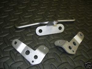 2 x Yamaha OEM Banshee fender brackets braces stays for front plastic 1987-2006