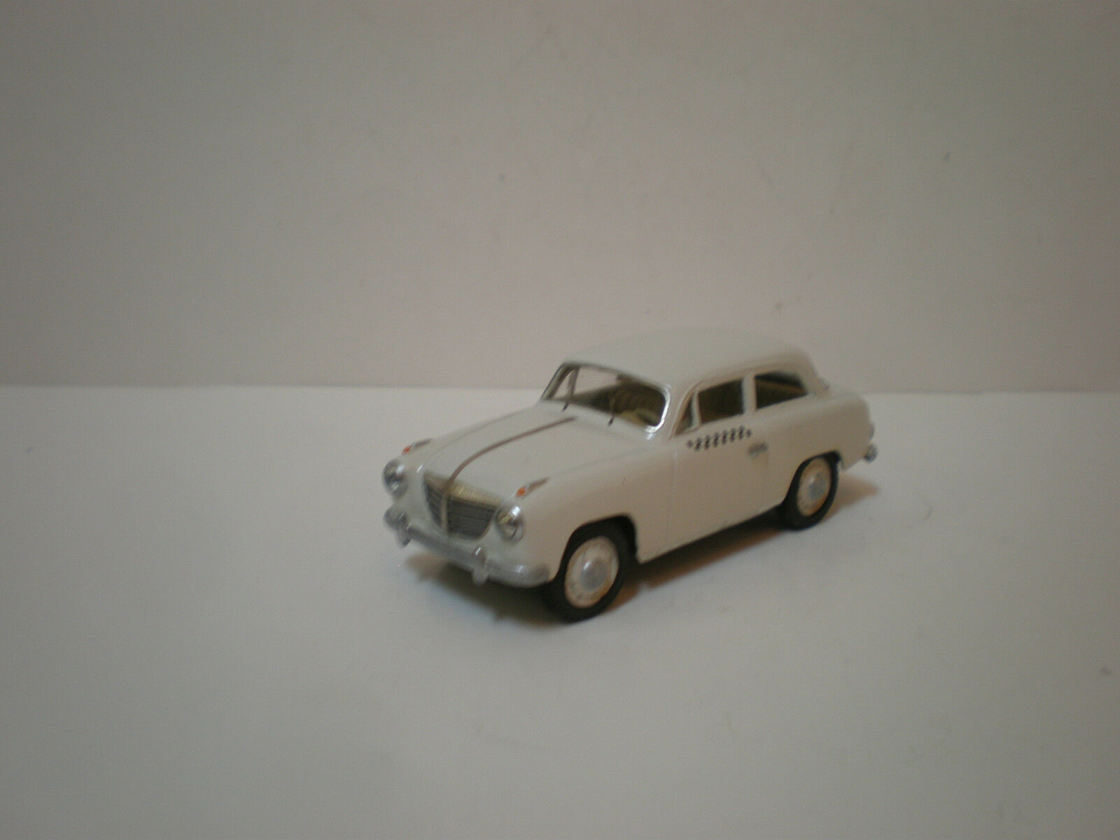 1 43 GERMAN CAR GOLIATH GP 700 COUPE TAXI 1953