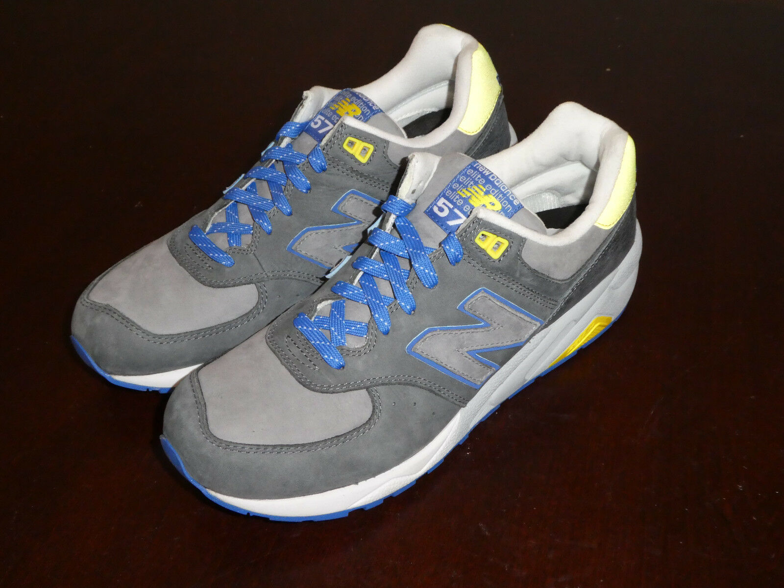 Mens New Balance 572 shoes MRT572LT Sneakers new Size 9.5