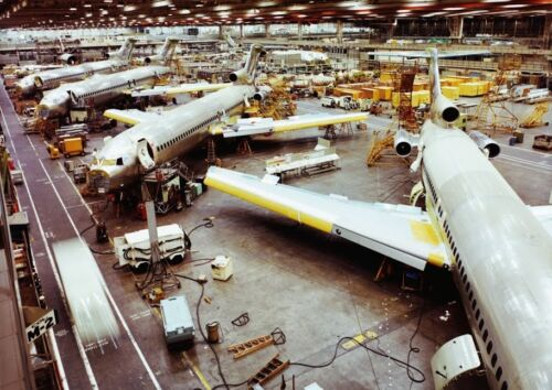 Art print POSTER Canvas Final Assembly Line for Boeing 727