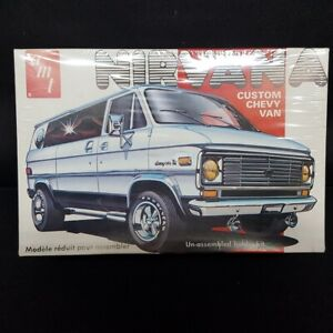 1975-AMT-Nirvana-Custom-Chevy-Van-Model-Kit-T394-New-Factory-Sealed