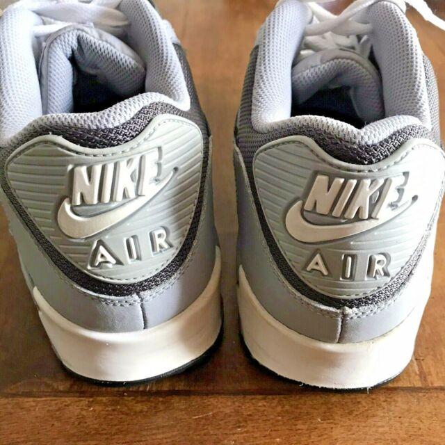 Nike Air Max 90 Sneaker Mens Size 10 Gray Black White 325018-055 Release 2012