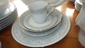 Vintage-China-Dinnerware-set-Princess-by-Crown-Ming-service-6-hostess-set-EUC-33