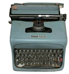 Macchina-Da-Scrivere-Olivetti-Studio-44-Italy-Old-Machine-Rara-Anrica-Funzionant