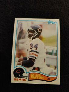 1982 Topps Walter Payton football card #302 Chicago Bears NM