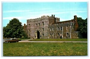 Vintage-Picture-Postcard-South-View-Priory-Gateway-St-Osyth-Essex