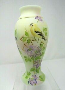Fenton-Glass-Yellow-Gold-Finch-Purple-Clematis-Vase-HP-M-Kibbe-2-of-9-2019