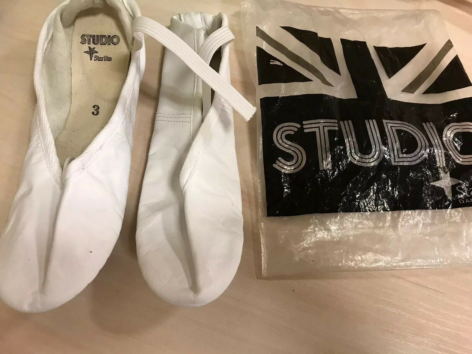 Starlite Studio Full Sole White Leather Ballet Shoes Size 3