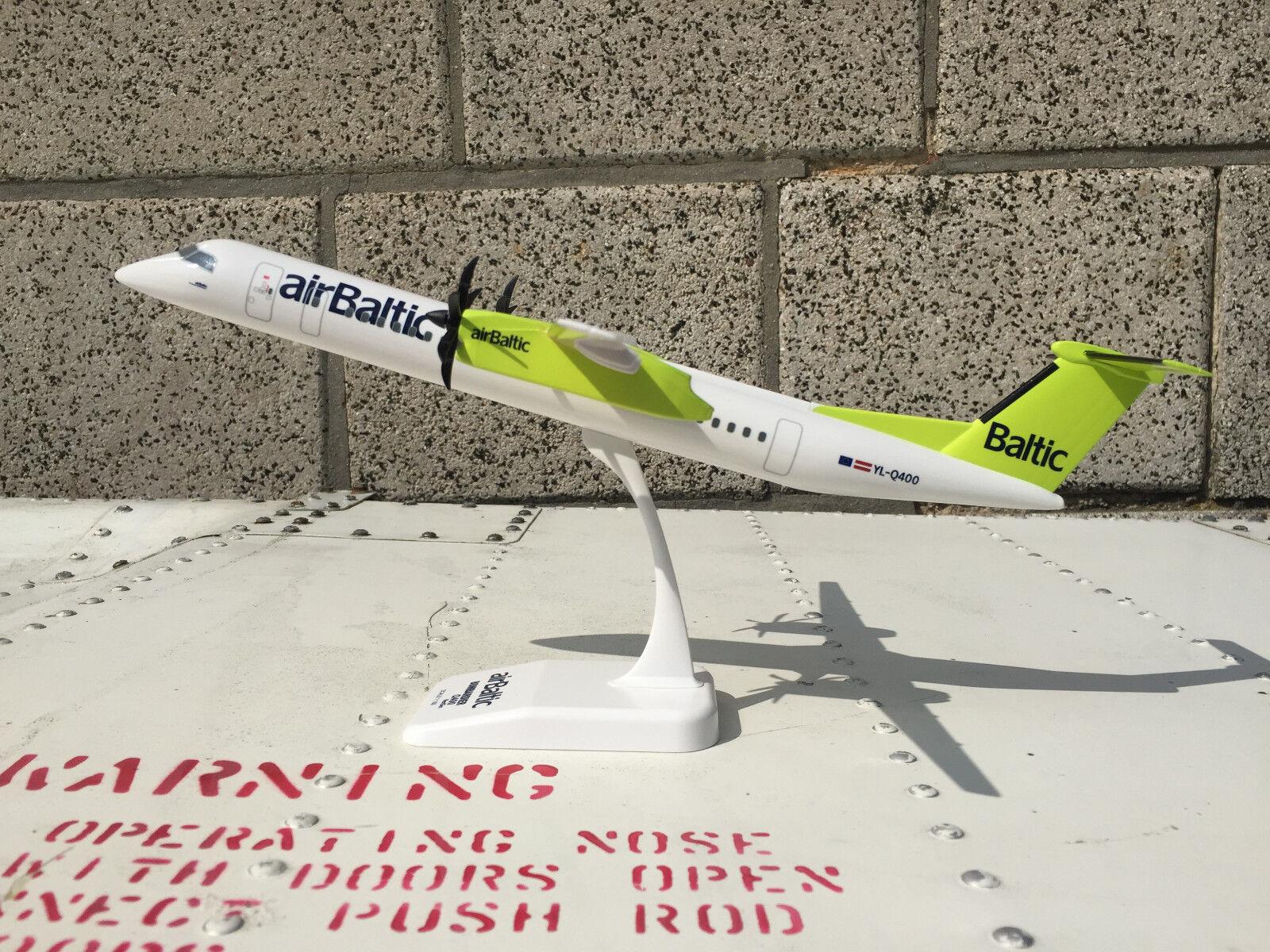 1 100 bombardier Air Baltic q400 NextGen modelo lo Dash 8-q400 avión
