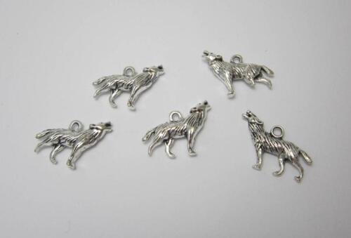 5 howling wolf charms for jewellery making craft or cards tibetan silver 3D