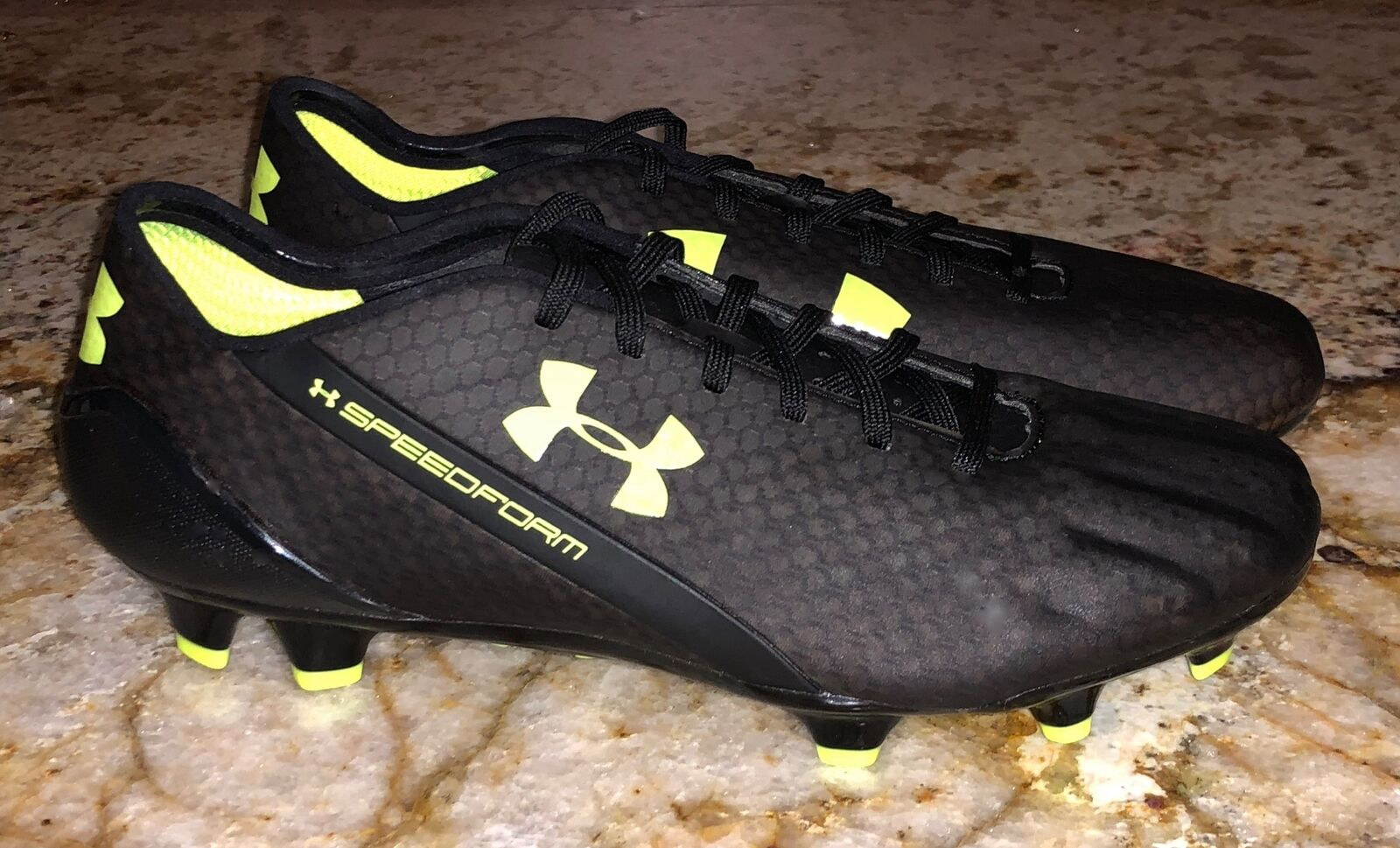 UNDER ARMOUR SpeedForm CRM FG nero giallo Soccer Soccer Soccer Cleats NEW Uomo Sz 7.5 10.5 bd1774