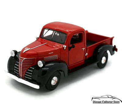 1941 Plymouth Pickup Truck MOTORMAX Diecast 1:24 Scale Red & Black