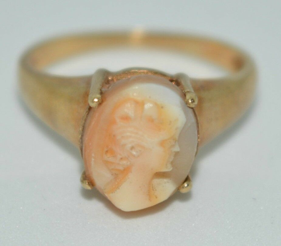9ct Yellow gold cameo ring K 1 2 2.8 grams