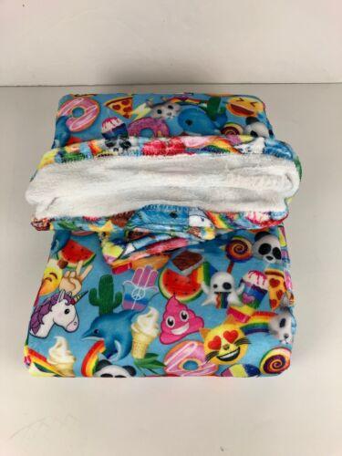 """Top Trenz Emoji Print Fuzzy Throw Blanket New 56/"""" x 68/"""""""