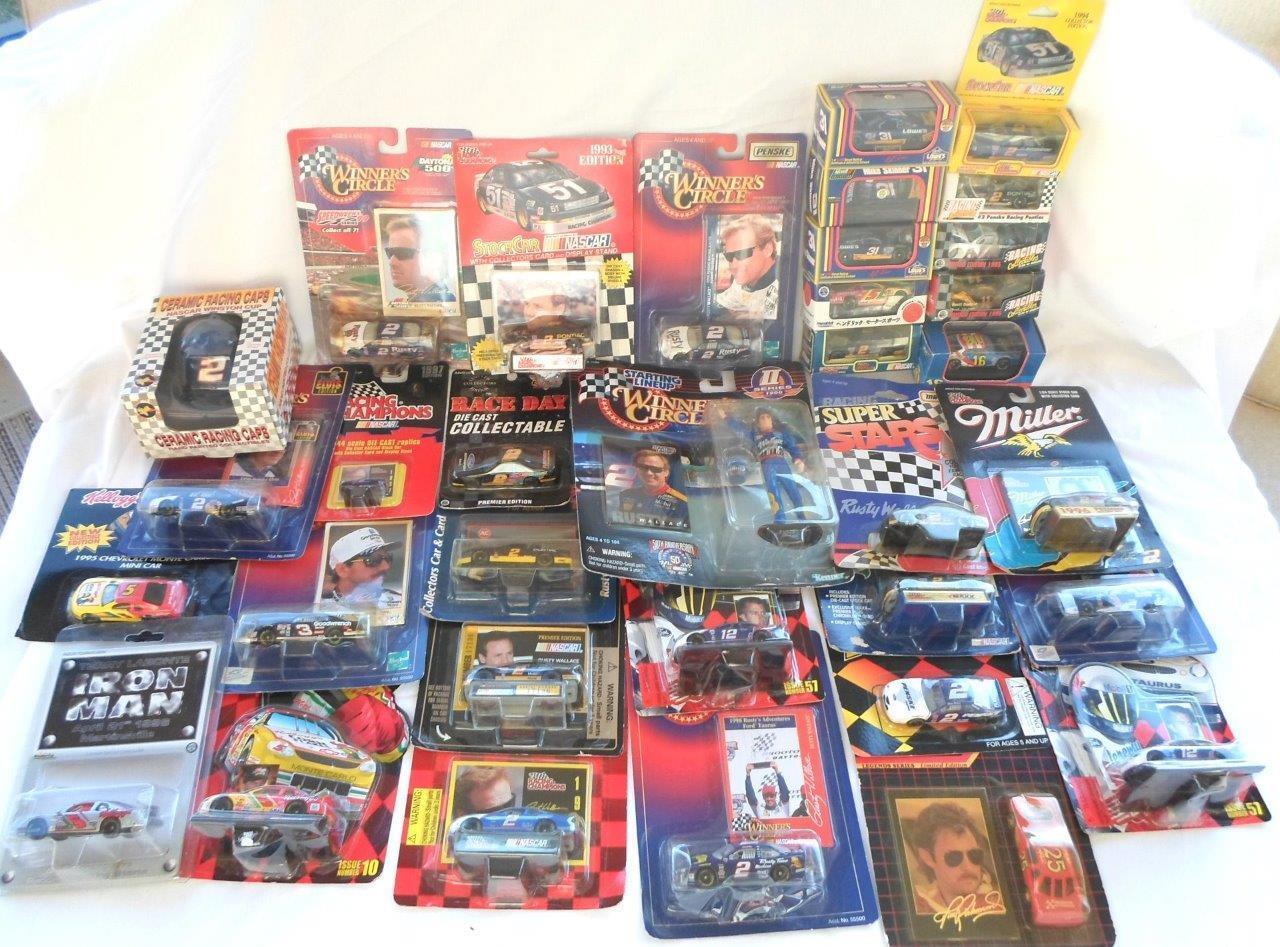 35pc Lot NASCAR Diecast Racing Cars Vintage NOS Race Car Figures 1  64 & 1 144