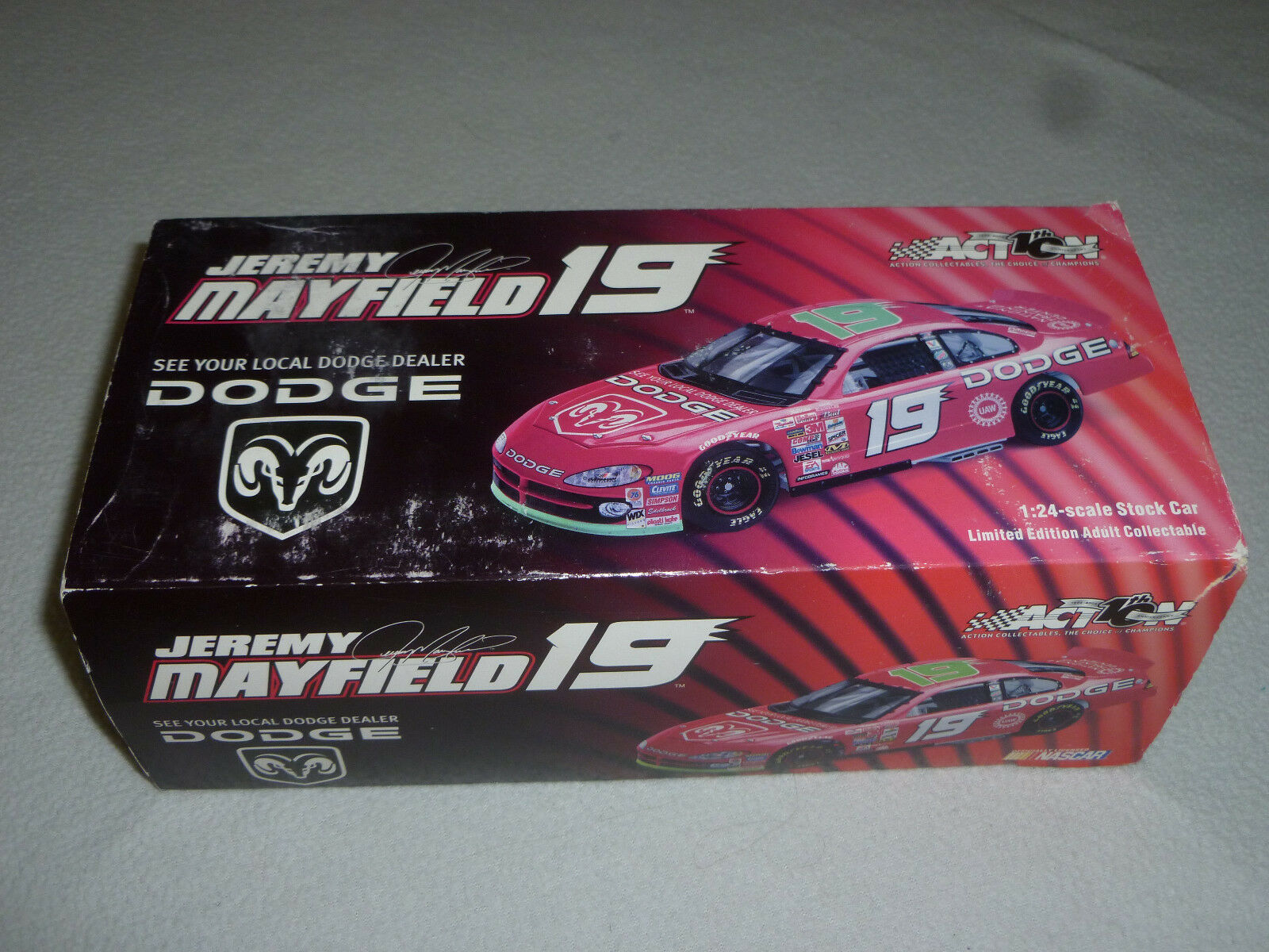 NEW NEW NEW IN BOX ACTION CAR JEREMY MAYFIELD 19 DODGE 2002 INTREPID MAC TOOLS 102526 9d3398