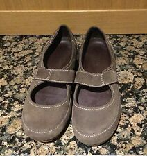 CASUAL BROWN TIMBERLAND LADIES SHOES/SIZE6/WORN BUT IN GOOD CONDITION SOME MARKS