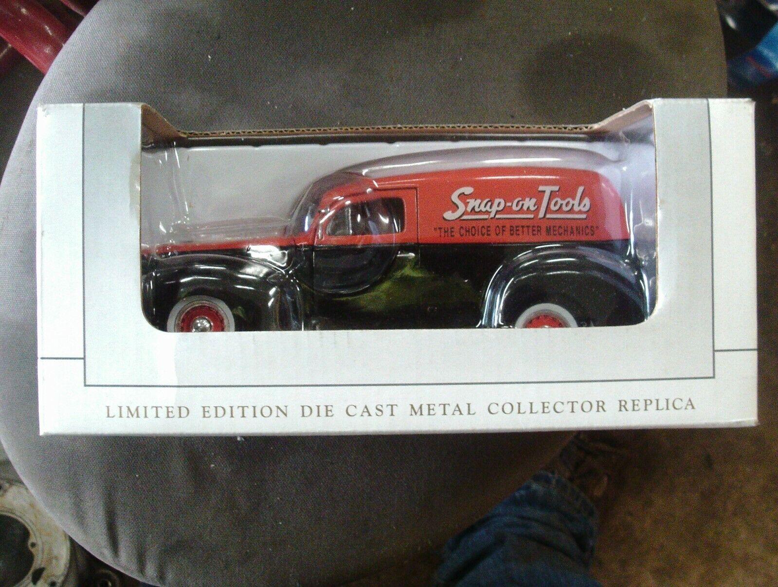 Snap-on Tools 1940 Ford  camion de livraison Van échelle 1 24  garantie de crédit